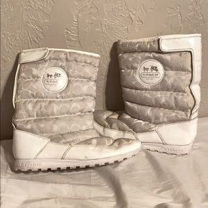 Coach white snow boots stagecoach Jordy 11
